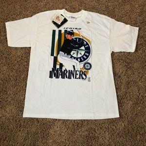 🔥NWT 2001 Ichiro Seattle Mariners Shirt🔥